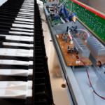 Gebroken aansluiting elektrische piano herstellen